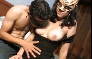 الساخنة امرأة شابة مارس موقع سكس مترجم اجنبي الجنس في الحمار